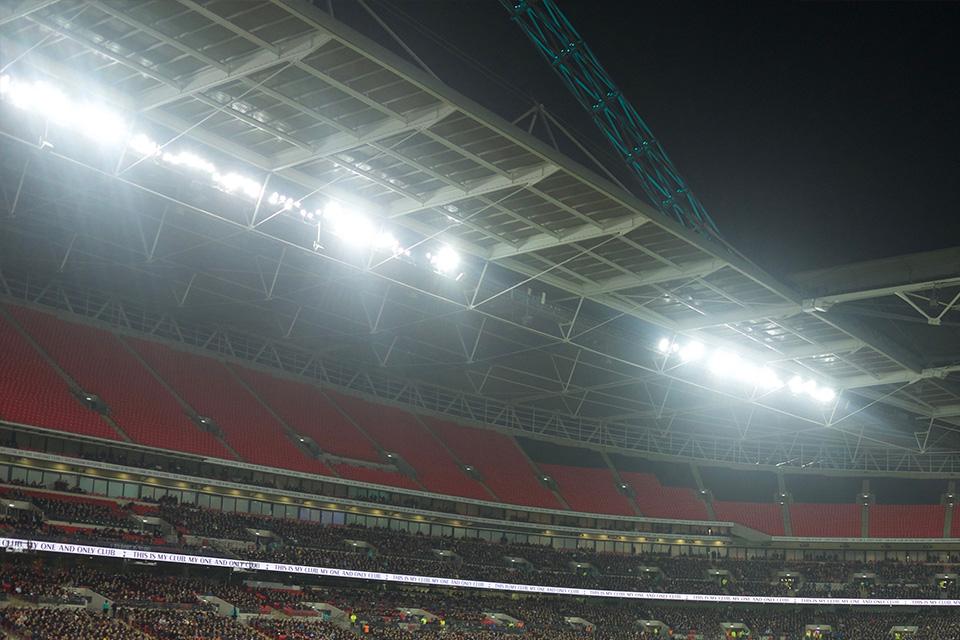 スタジアム大型照明